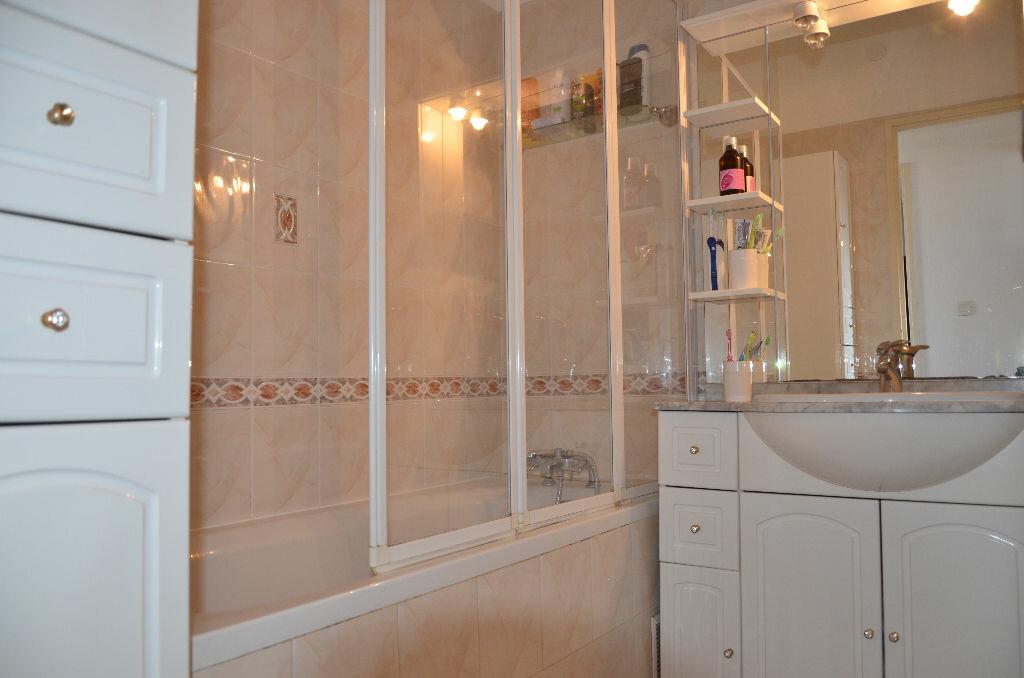 Achat Appartement 4 pièces à La Seyne-sur-Mer - vignette-13