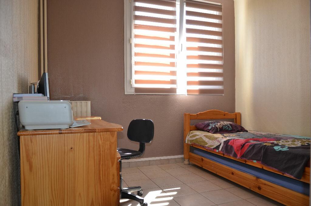 Achat Appartement 4 pièces à La Seyne-sur-Mer - vignette-14