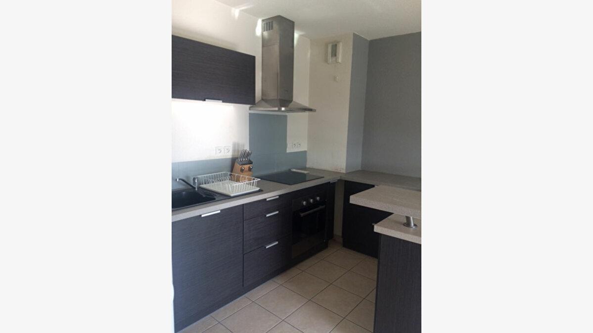 Location Appartement 2 pièces à La Seyne-sur-Mer - vignette-1