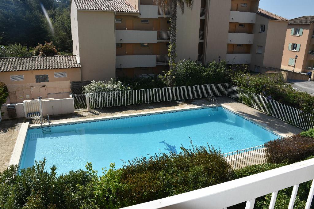 Achat Appartement 2 pièces à Sanary-sur-Mer - vignette-7