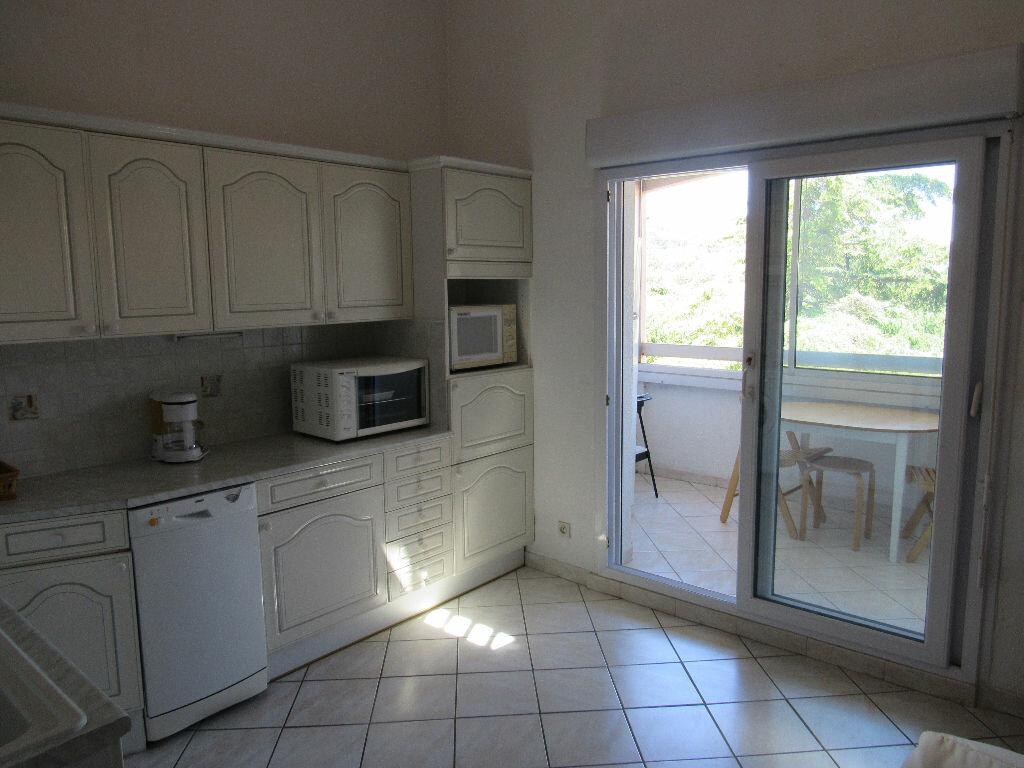 Achat Appartement 2 pièces à Sanary-sur-Mer - vignette-2