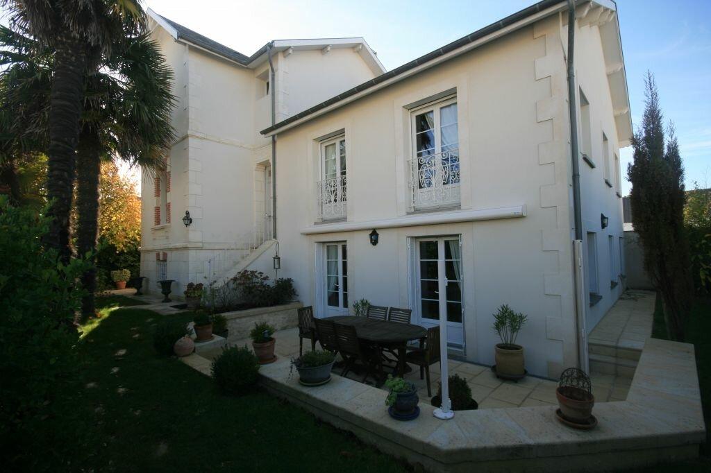 Achat Maison 9 pièces à Saint-Georges-de-Didonne - vignette-1