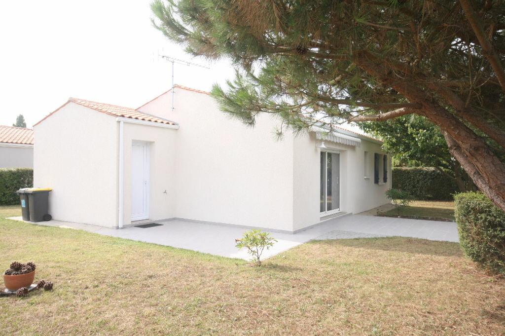 Achat Maison 4 pièces à Saint-Georges-de-Didonne - vignette-5
