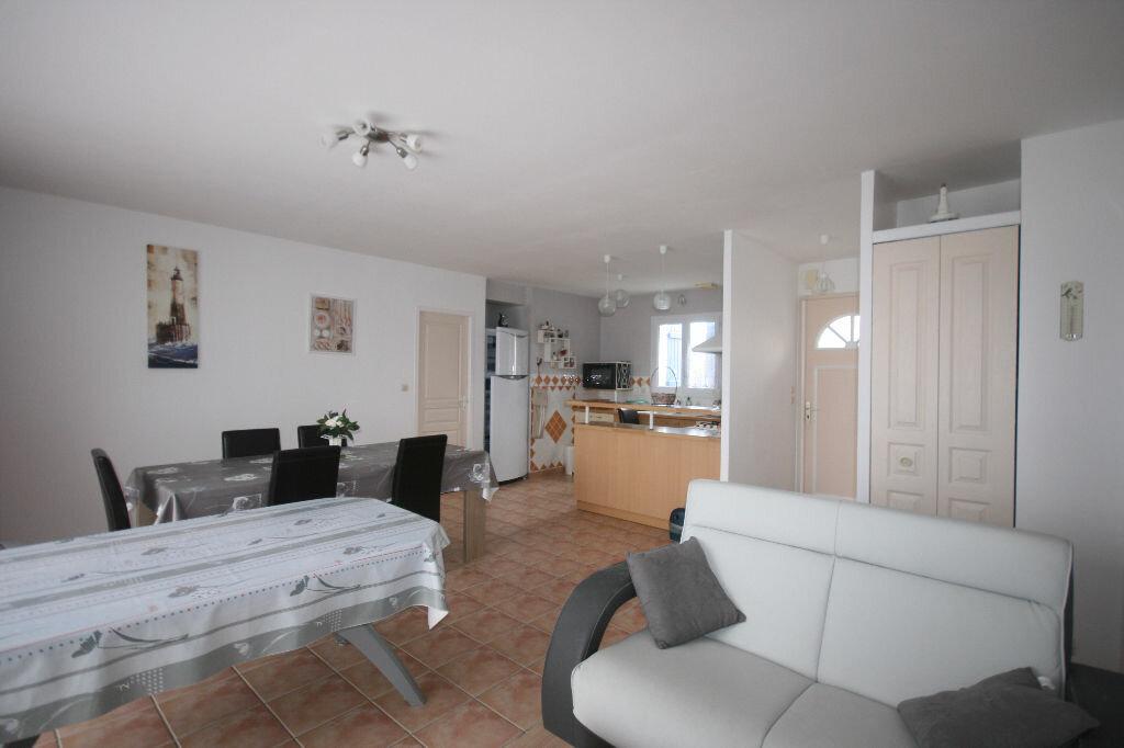 Achat Maison 4 pièces à Saint-Georges-de-Didonne - vignette-7