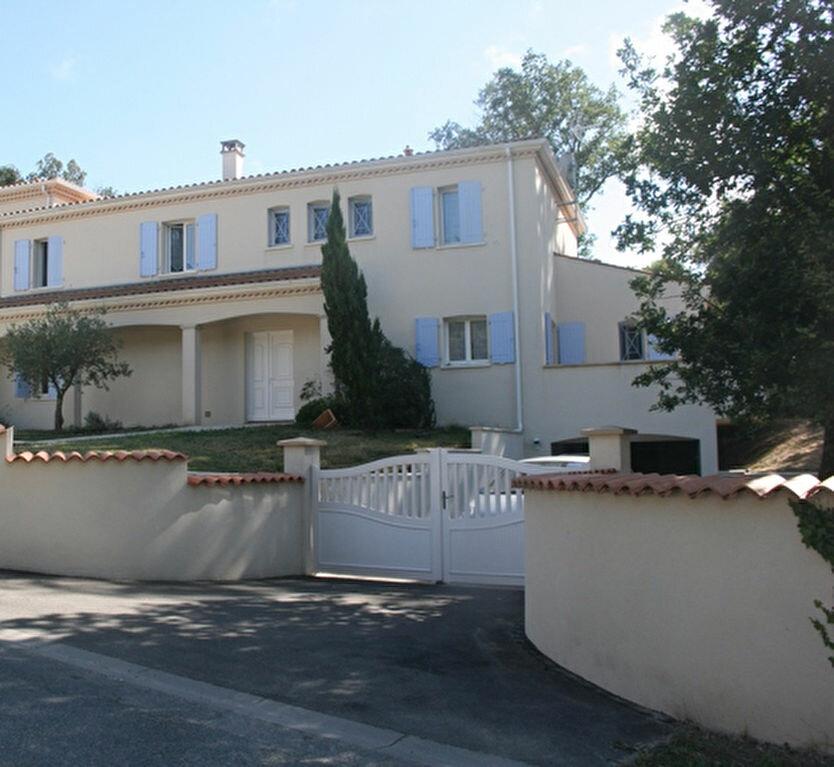 Achat Maison 8 pièces à Meschers-sur-Gironde - vignette-1