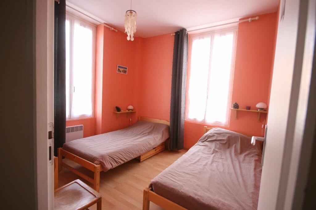 Achat Appartement 3 pièces à Saint-Georges-de-Didonne - vignette-3