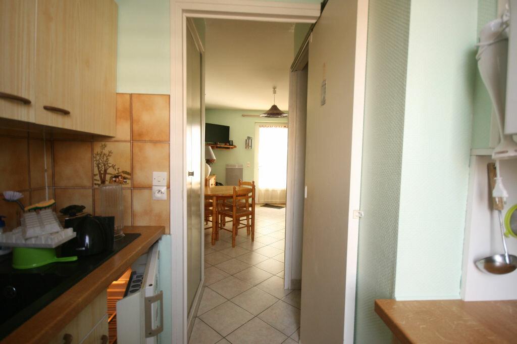 Achat Appartement 3 pièces à Saint-Georges-de-Didonne - vignette-5