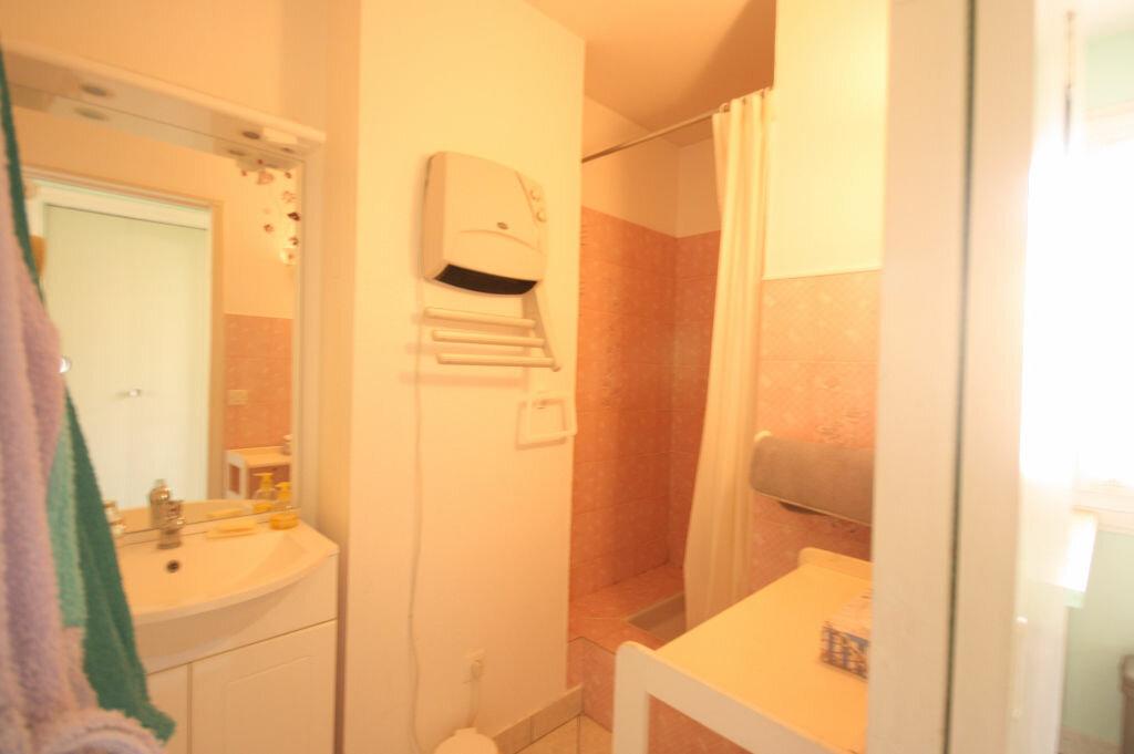 Achat Appartement 3 pièces à Saint-Georges-de-Didonne - vignette-6