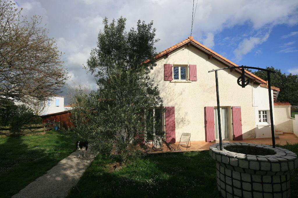 Achat Maison 6 pièces à Saint-Georges-de-Didonne - vignette-1