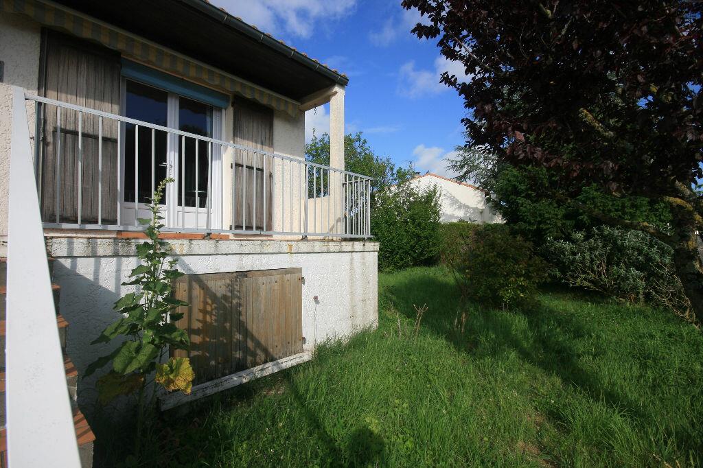 Achat Maison 6 pièces à Saint-Georges-de-Didonne - vignette-5