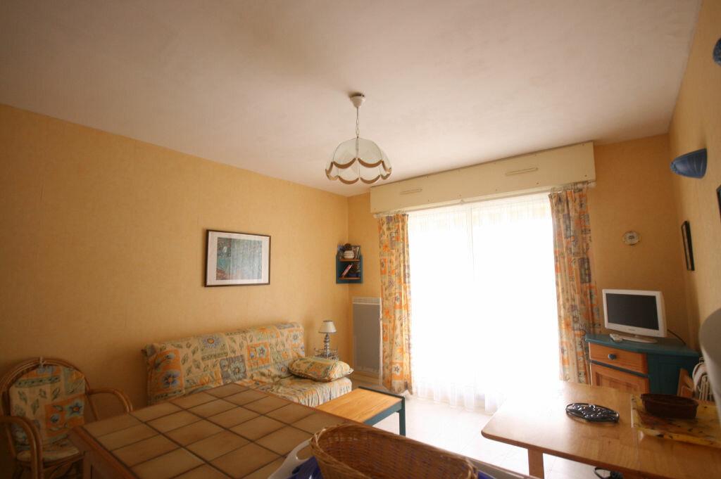 Achat Appartement 1 pièce à Saint-Georges-de-Didonne - vignette-2