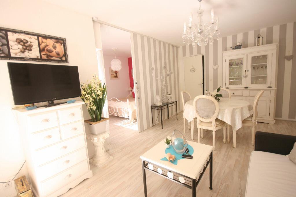 Achat Appartement 2 pièces à Saint-Georges-de-Didonne - vignette-6