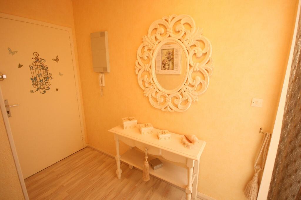 Achat Appartement 2 pièces à Saint-Georges-de-Didonne - vignette-8