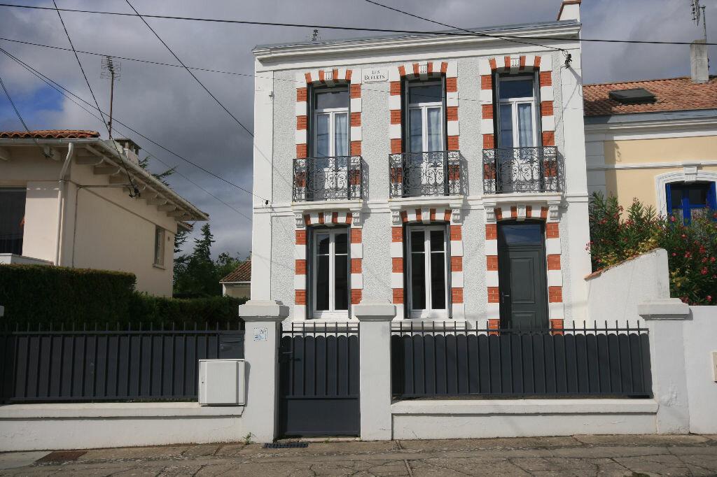 Achat Maison 5 pièces à Saint-Georges-de-Didonne - vignette-1