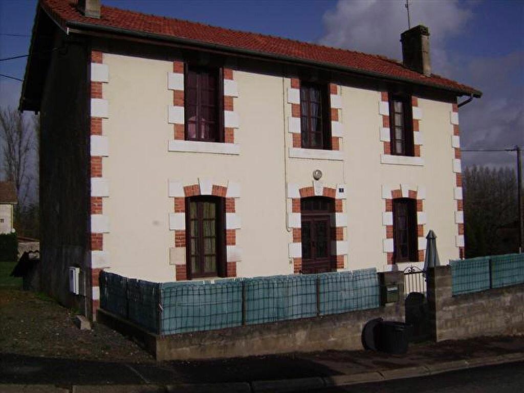 Location Maison 4 pièces à Saint-Sever - vignette-1