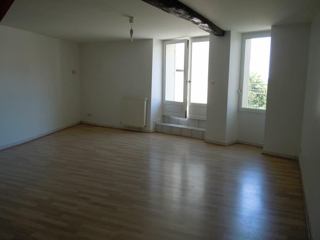Location Appartement 4 pièces à Saint-Sever - vignette-1