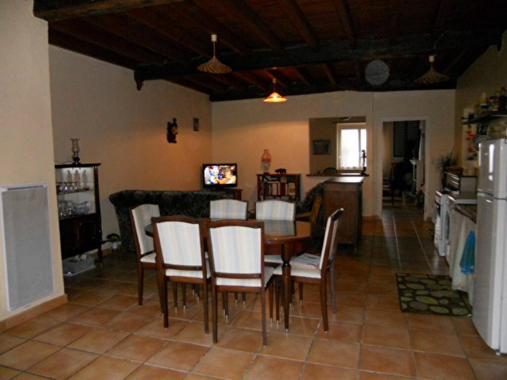 Achat Maison 4 pièces à Sainte-Colombe - vignette-2