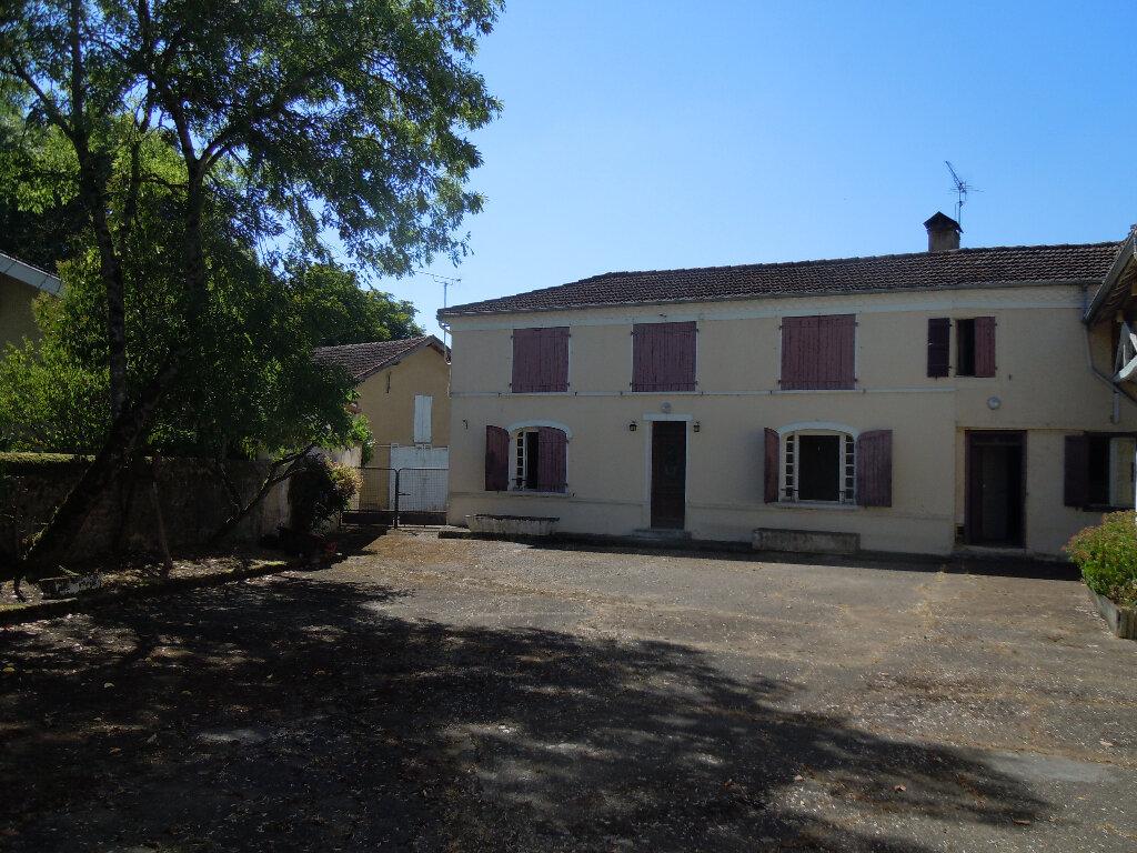 Achat Maison 7 pièces à Sainte-Colombe - vignette-1