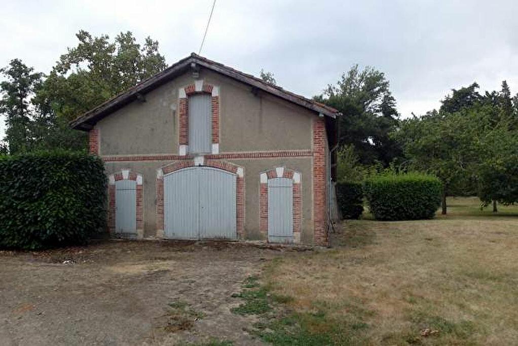 Achat Maison 9 pièces à Saint-Sever - vignette-3