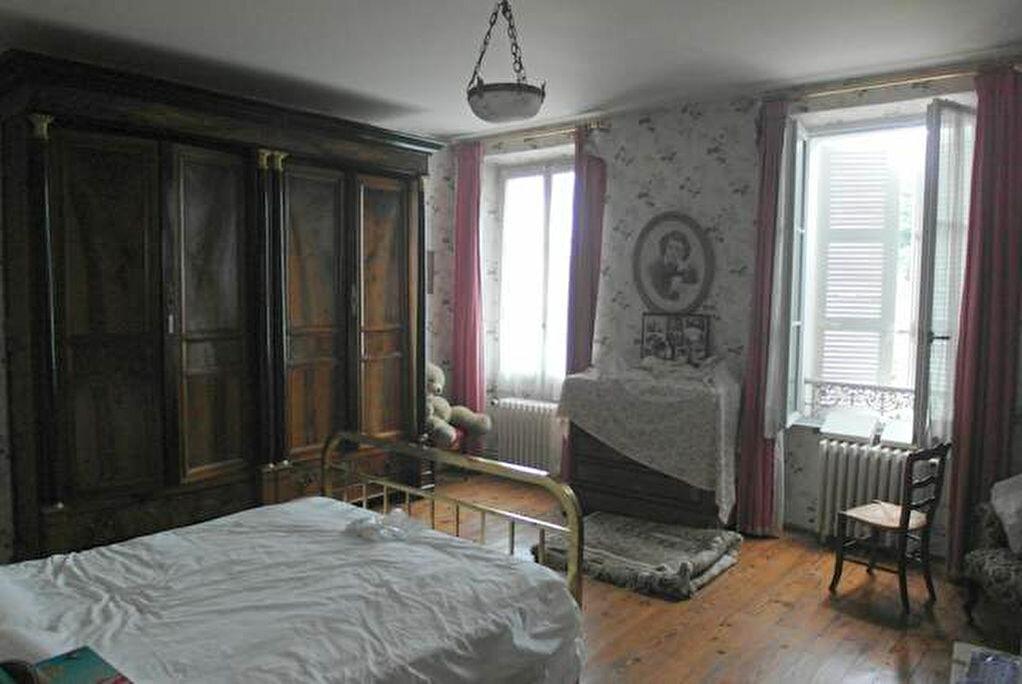 Achat Maison 9 pièces à Saint-Sever - vignette-6