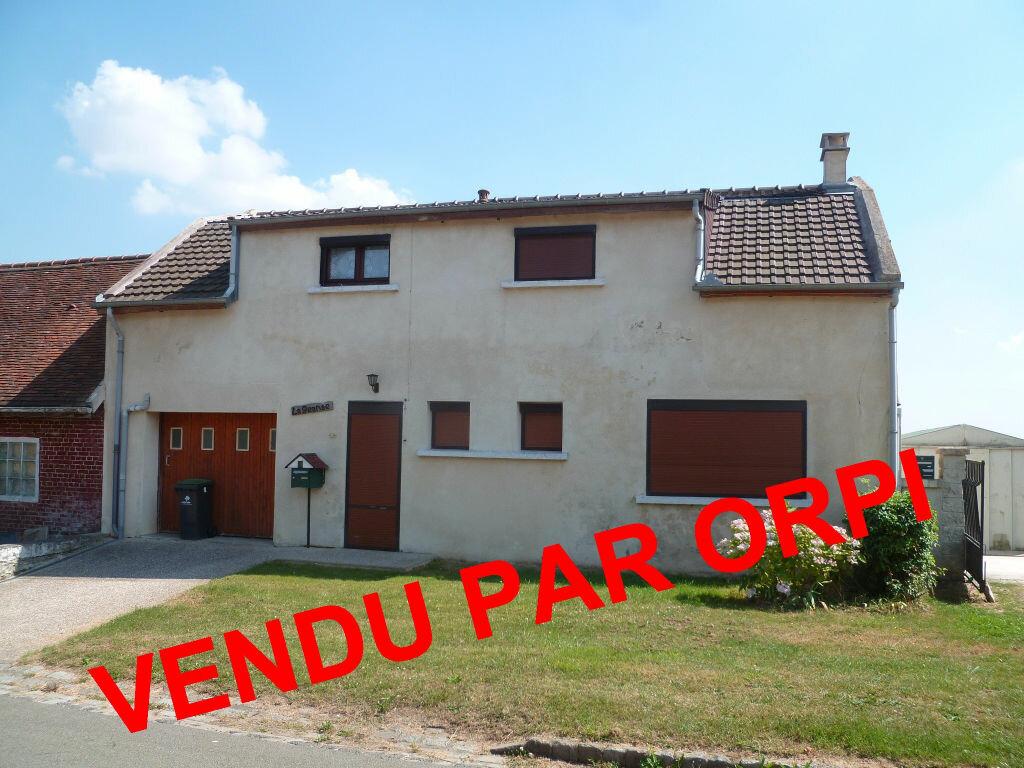 Achat Maison 4 pièces à Saint-Martin-aux-Bois - vignette-1