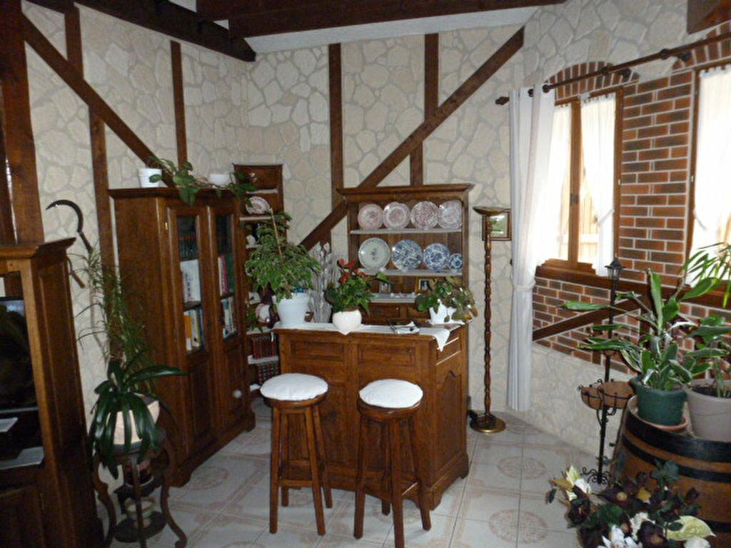 Achat Maison 6 pièces à Saint-Remy-en-l'Eau - vignette-2