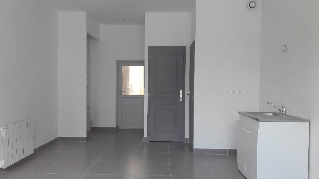 Location Appartement 1 pièce à Aix-les-Bains - vignette-1