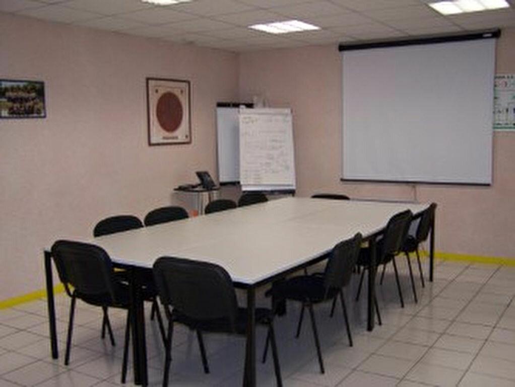 Location Bureaux  à Béon - vignette-5