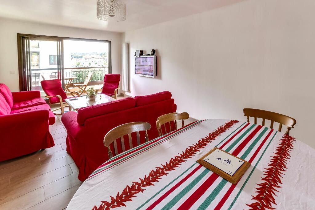 Achat Appartement 5 pièces à Saint-Jean-de-Luz - vignette-1