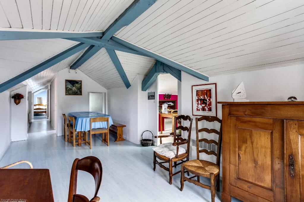 Achat Appartement 4 pièces à Saint-Jean-de-Luz - vignette-1