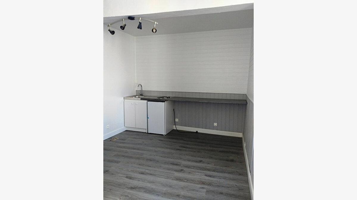 Location Appartement 2 pièces à Chaumont-en-Vexin - vignette-1