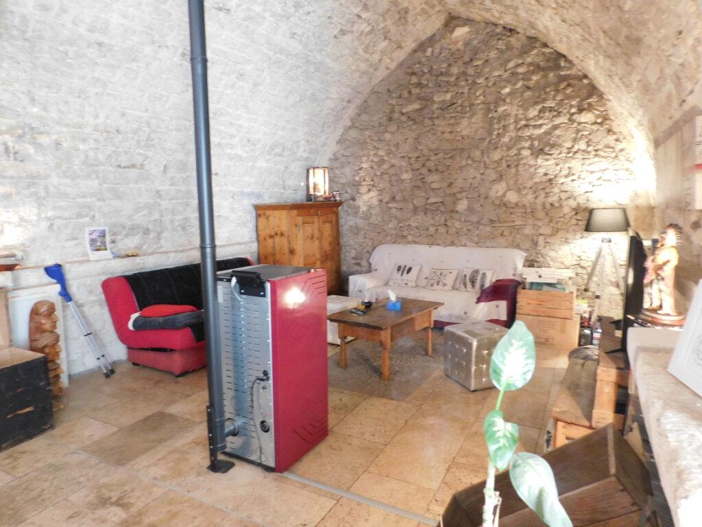 Achat Maison 4 pièces à Revest-Saint-Martin - vignette-1