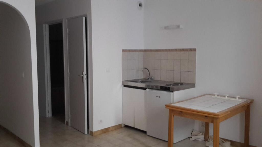 Location Appartement 1 pièce à Forcalquier - vignette-1
