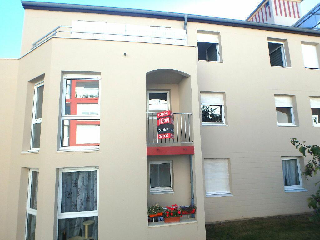 Achat Appartement 4 pièces à Montigny-lès-Metz - vignette-3