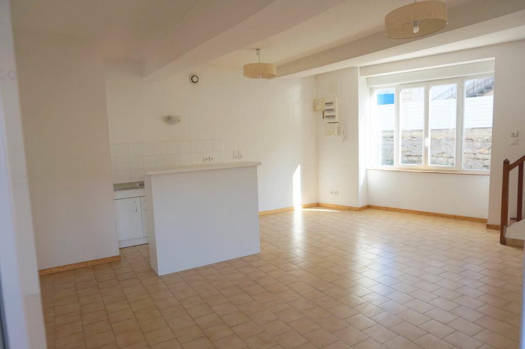 Achat Appartement 4 pièces à Sainte-Euphémie - vignette-2