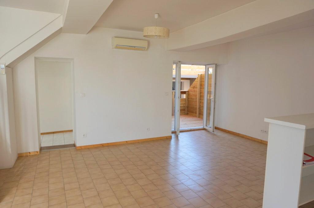 Achat Appartement 4 pièces à Sainte-Euphémie - vignette-4