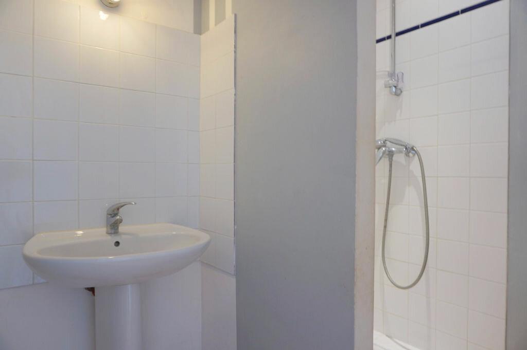 Achat Appartement 4 pièces à Sainte-Euphémie - vignette-5