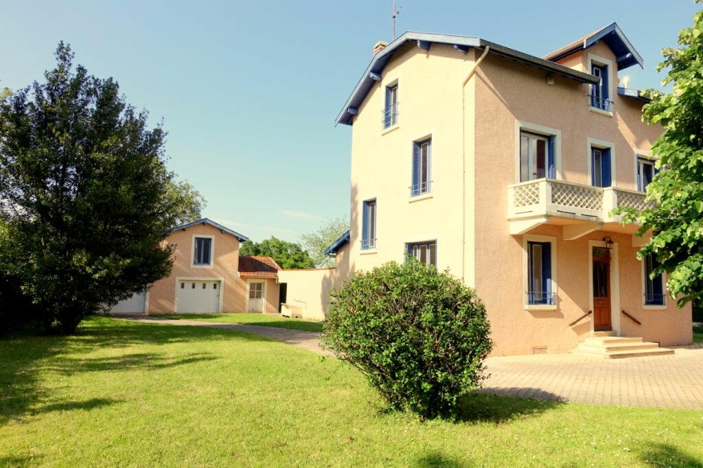 Achat Maison 8 pièces à Saint-Didier-de-Formans - vignette-1