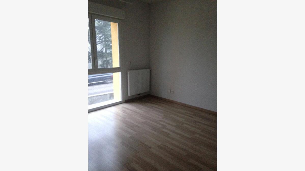 Location Appartement 2 pièces à Gex - vignette-1