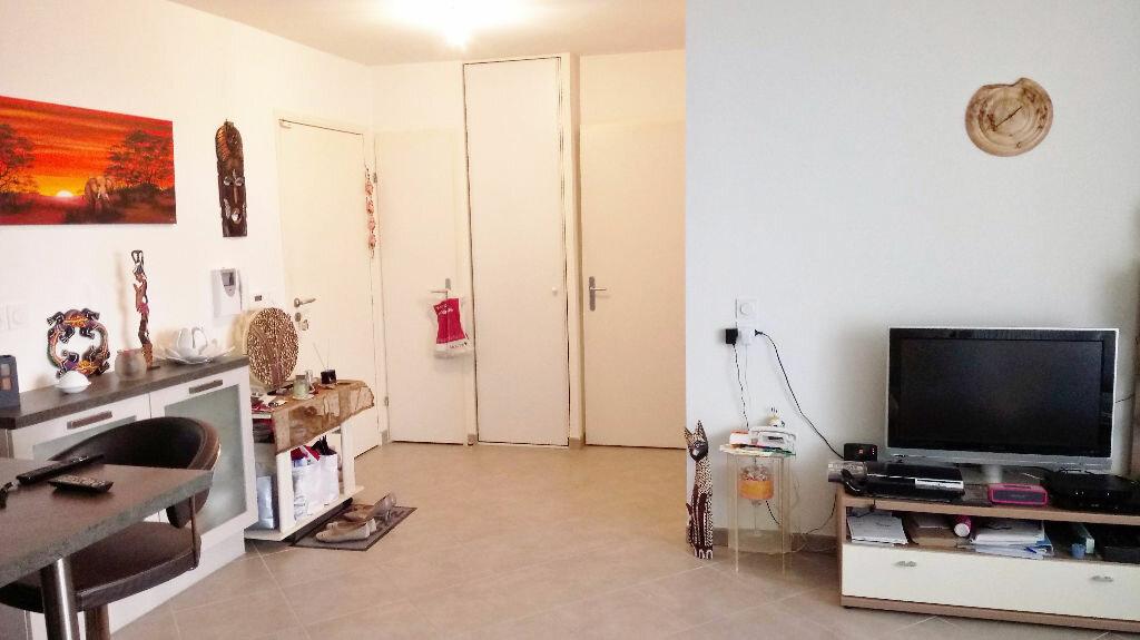 Achat Appartement 3 pièces à Gex - vignette-6