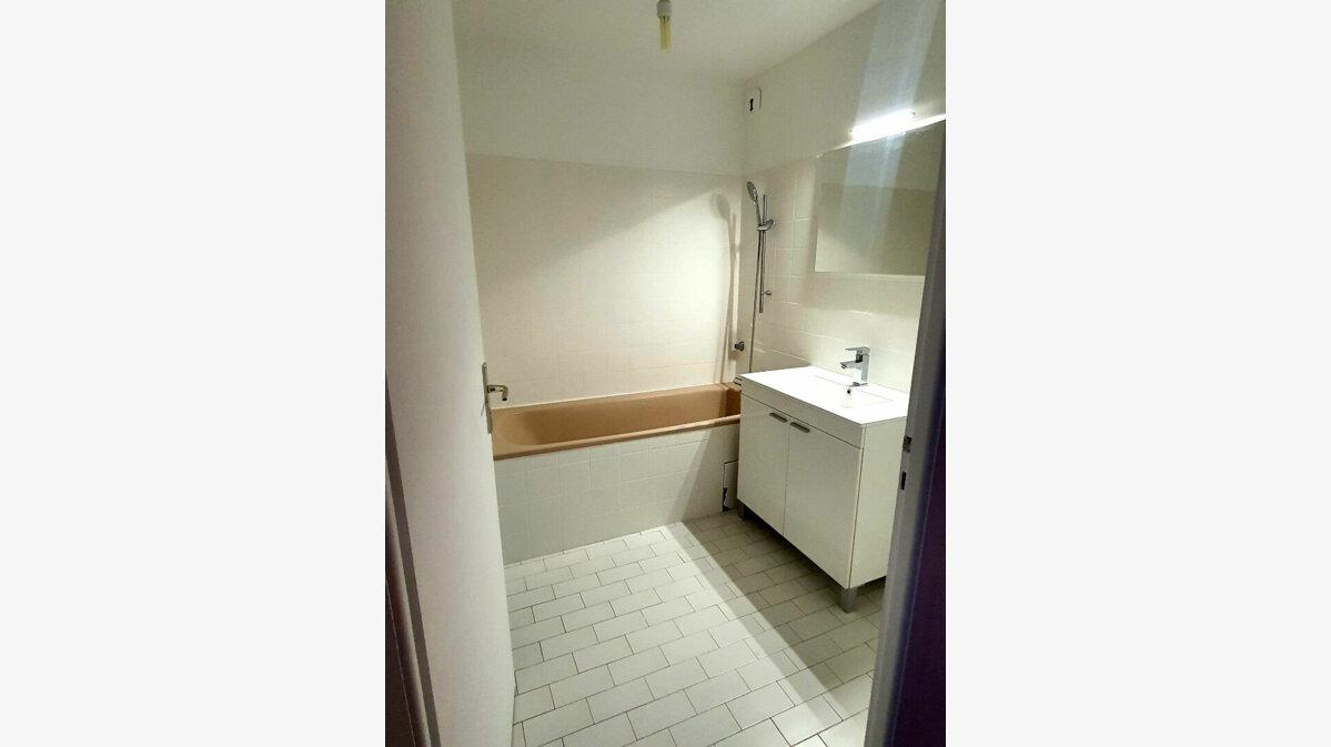Location Appartement 2 pièces à Gex - vignette-3