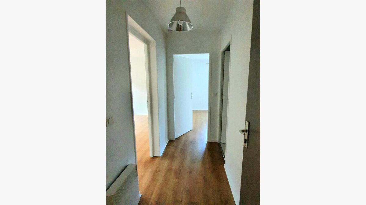 Location Appartement 2 pièces à Gex - vignette-5
