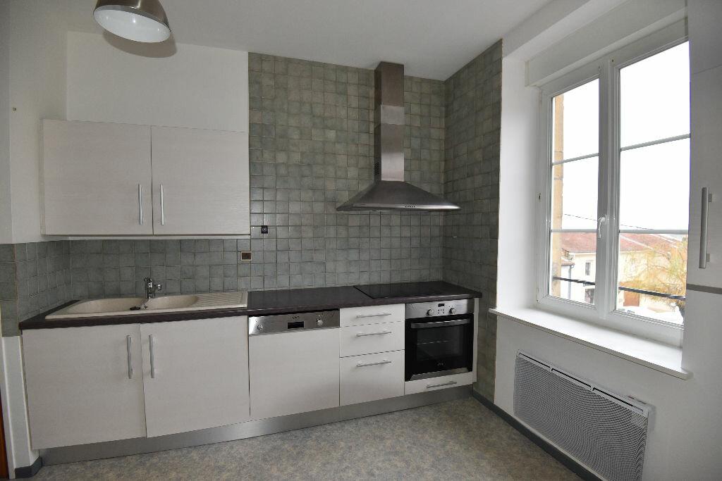 Location Appartement 4 pièces à Marange-Silvange - vignette-2