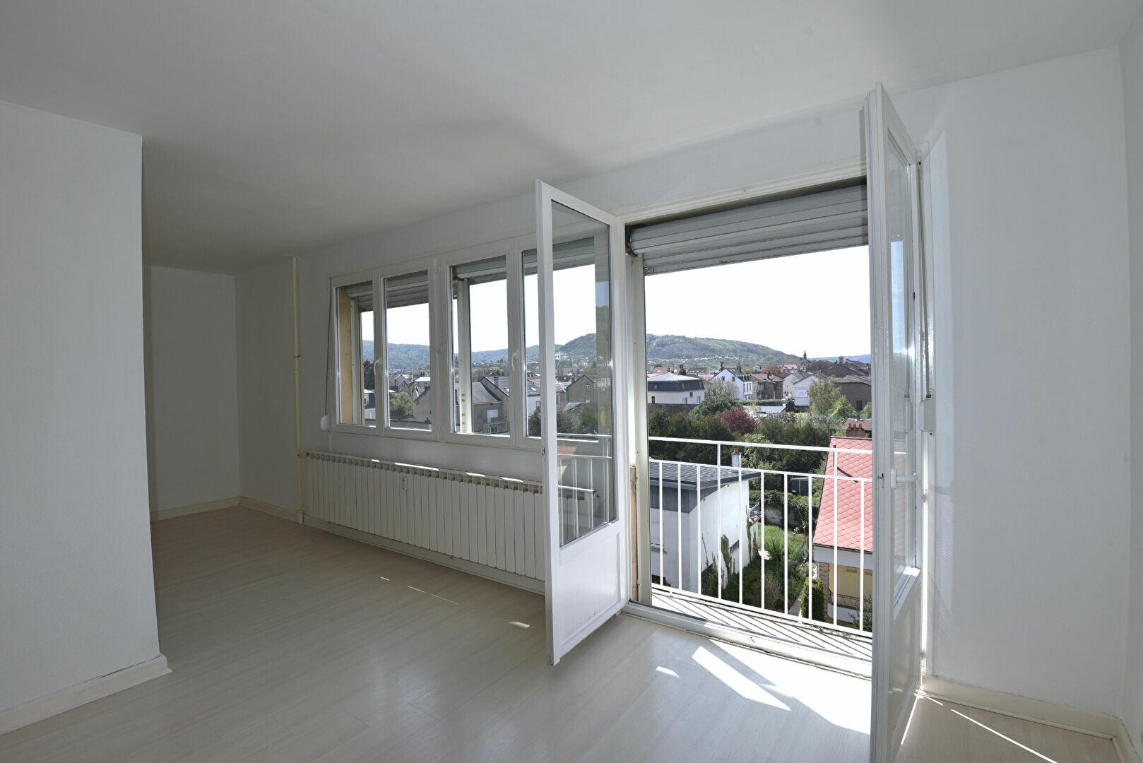 Location Appartement 4 pièces à Clouange - vignette-1