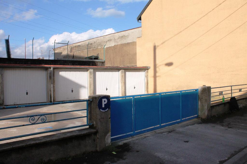 Location Stationnement  à Talange - vignette-1