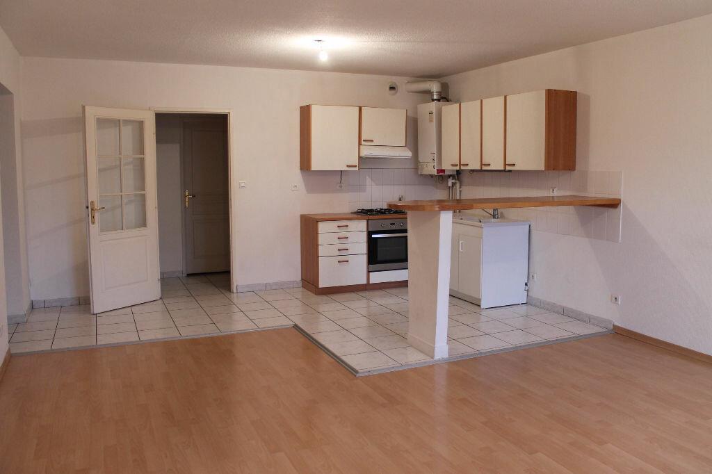 Location Appartement 5 pièces à Vitry-sur-Orne - vignette-1