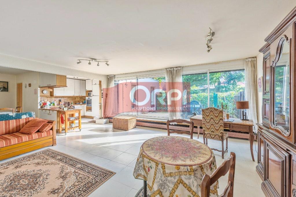 Achat Appartement 5 pièces à Champs-sur-Marne - vignette-1