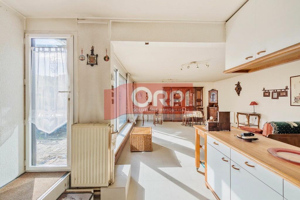 Achat Appartement 5 pièces à Champs-sur-Marne - vignette-5