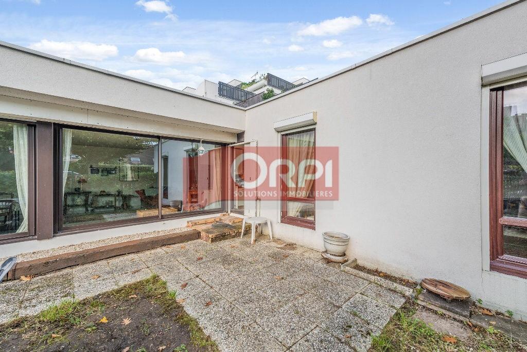 Achat Appartement 5 pièces à Champs-sur-Marne - vignette-10
