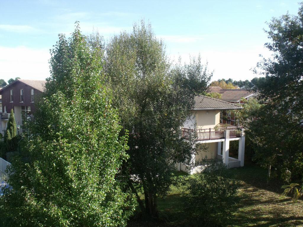 Achat Appartement 3 pièces à Saint-Vincent-de-Tyrosse - vignette-1
